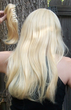 Lucy Heartfilia cosplay wig back view