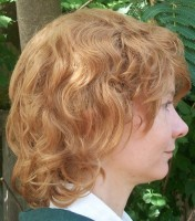 Blonde hobbit cosplay wig side view