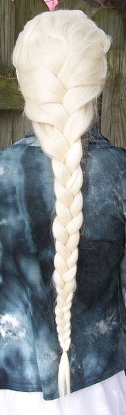 Elsa cosplay wig back view