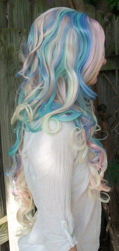 Notepad cosplay wig side view