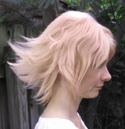 Pearl wig side view