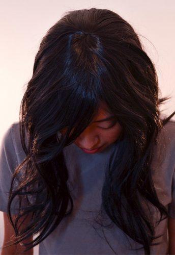 medium black wig top view
