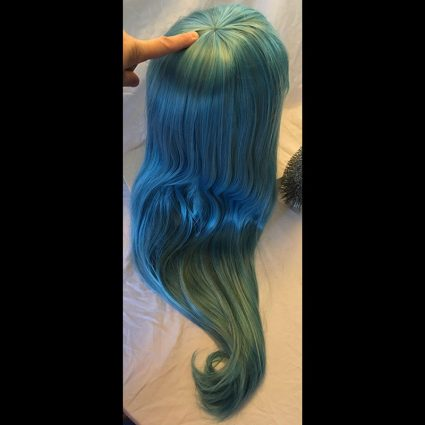Hilda cosplay wig back view