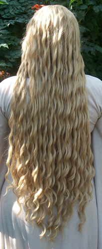 Galadriel cosplay wig back view