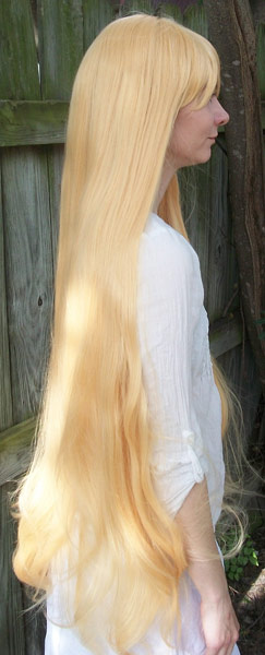 Sailor Venus cosplay wig side view
