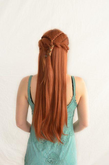 Sansa Stark cosplay wig back view