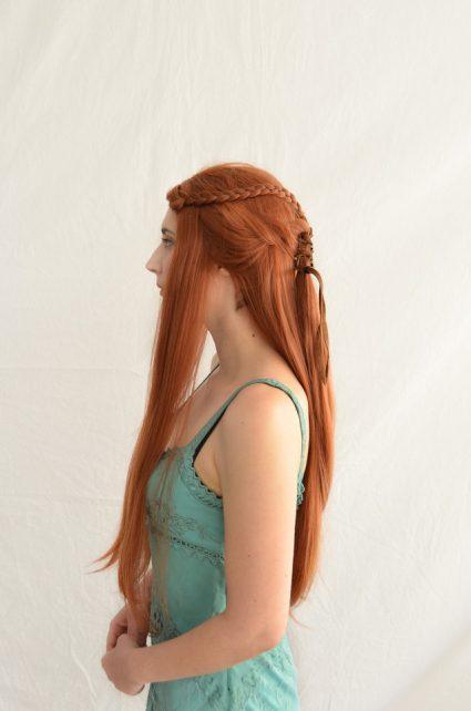 Sansa Stark cosplay wig side view
