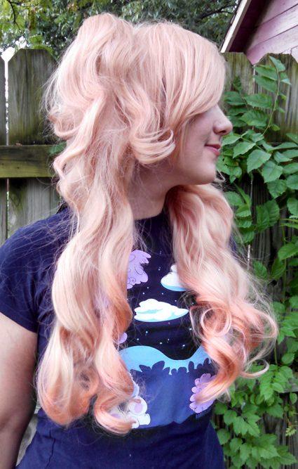 Junko Enoshima cosplay wig side view