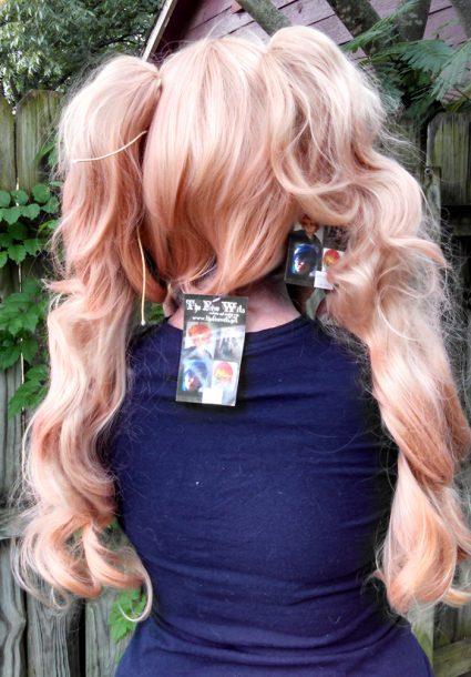 Junko Enoshima cosplay wig back view