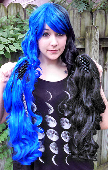 black and blue split Gothic Lolipocalypse wig clip view
