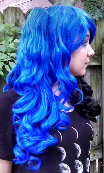 black and blue split Gothic Lolipocalypse wig side view