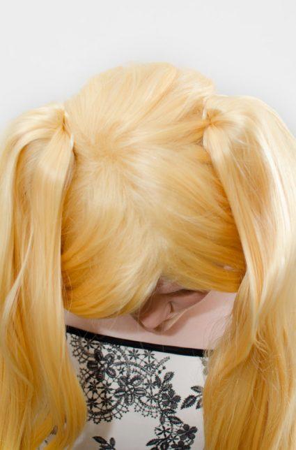 blonde ponytail wig top view