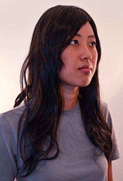 medium black wig