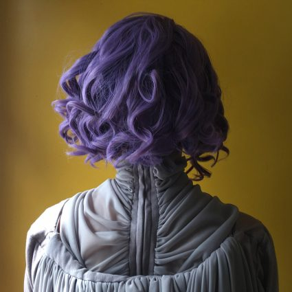 Holdo cosplay wig back view