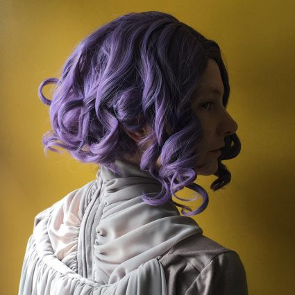 Holdo cosplay wig side view 2