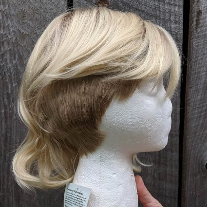 Gwen cosplay wig right side view